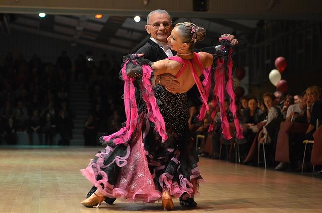 starší taneční pár.jpg